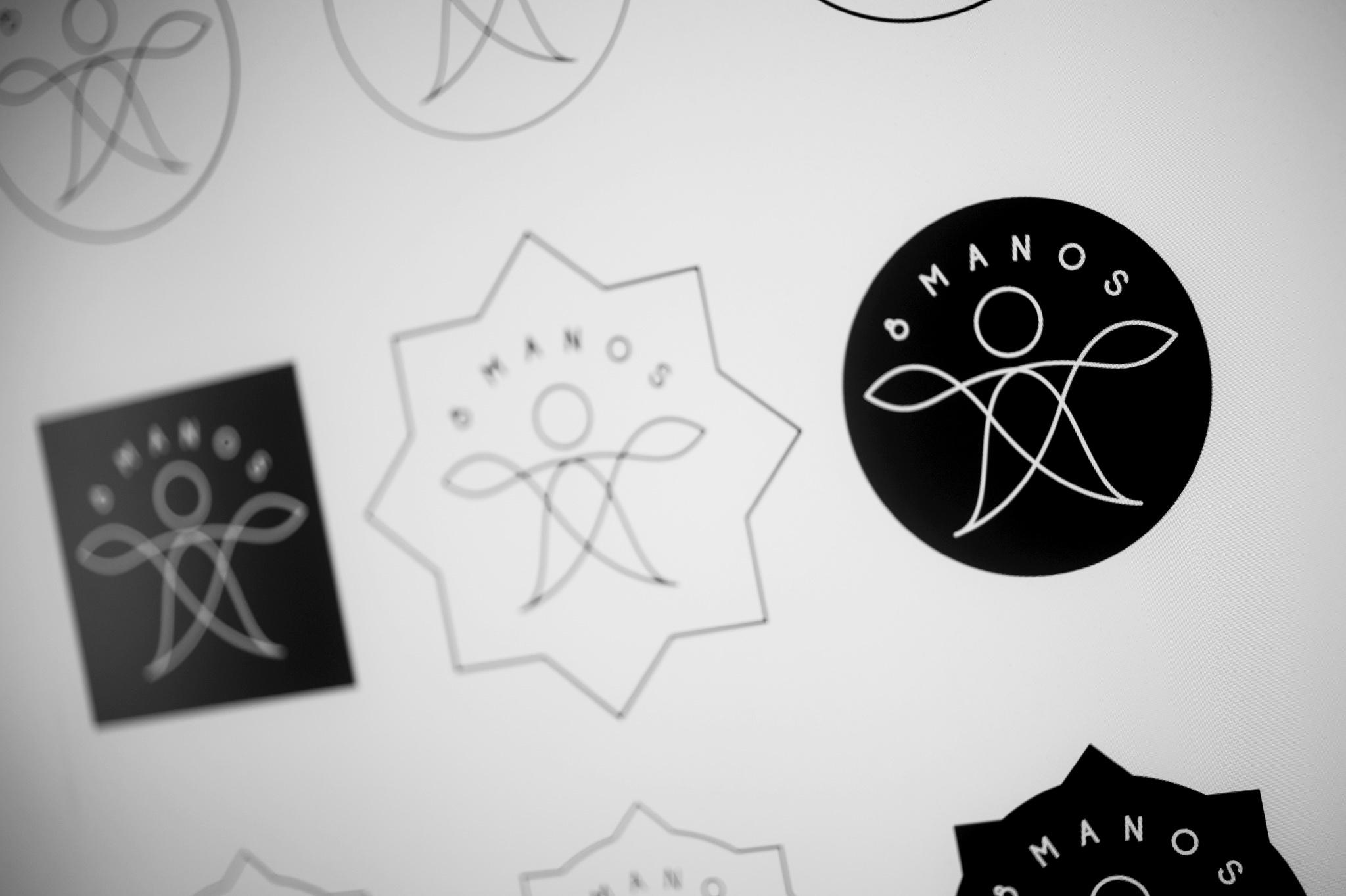 GD_8manos_logo_13